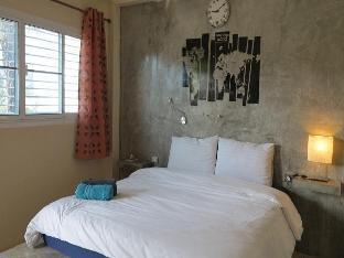 Tummi House guestroom junior suite