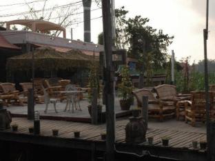 Mom Chailai River Retreat Hotel Nakhon Pathom - Exterior