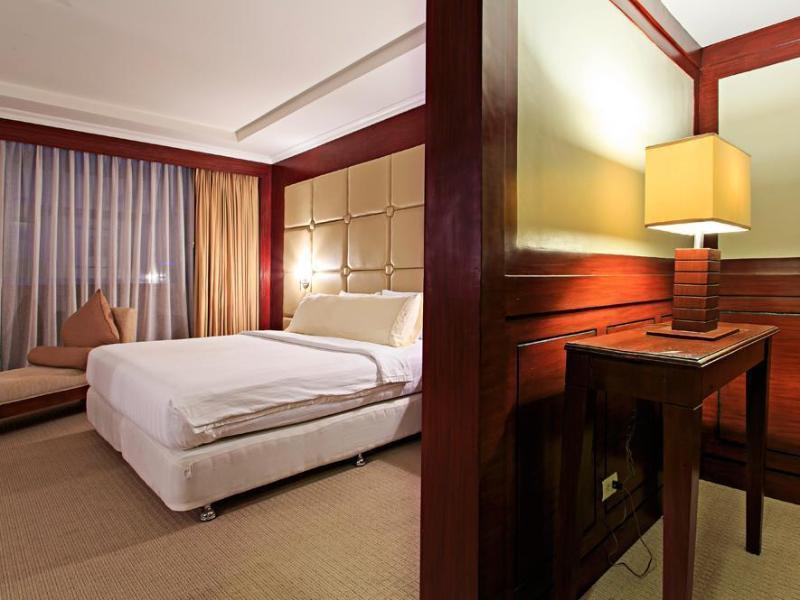 セブ パークレーン インターナショナル ホテル (Cebu Parklane International Hotel)