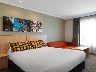 Travelodge Hotel Bankstown Sydney2