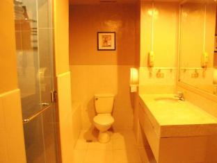 Mango Park Hotel Cebu - Bathroom