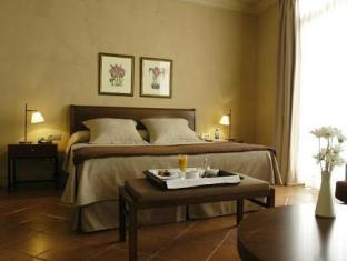 Best PayPal Hotel in ➦ Cardona: