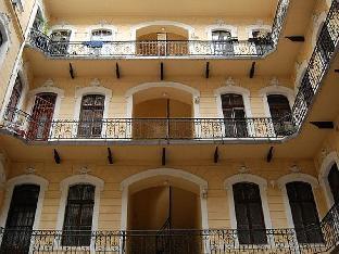 Budapest 3 Plus 1 Apartment