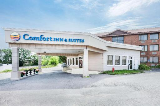 Comfort Inn Hotel in ➦ Barriere (BC) ➦ accepts PayPal