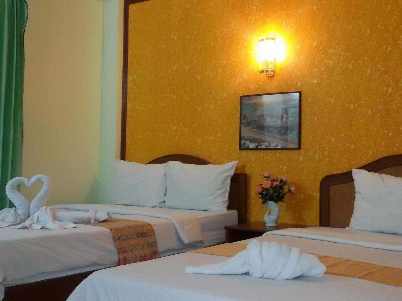 โรงแรมเทพรัตน์ ลอร์จ (Thepparat Lodge Hotel)