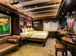 Namton Boutique Hotel guestroom junior suite