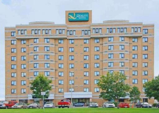 Quality Inn Hotel in ➦ Anjou ➦ accepts PayPal