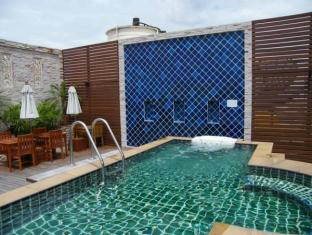 Grande Ville Hotel Bangkok - Yüzme havuzu