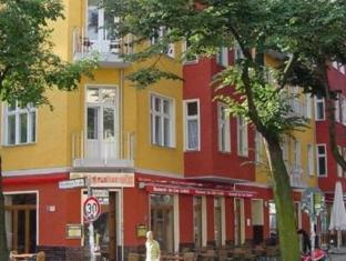 All In Hostel Berlin - Exterior hotel