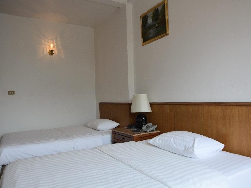 โรงแรมสิริน