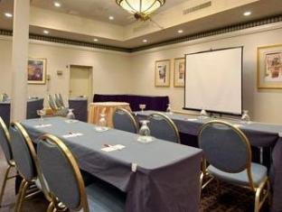 Ramada Inn Bradley Hotel Windsor Locks (CT) - Meeting Room