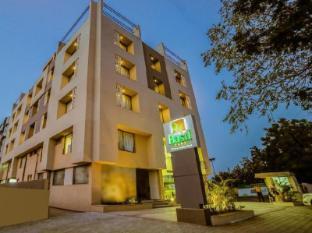 Hotel The Basil Park - Bhavnagar