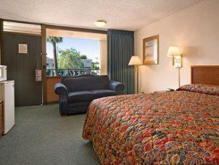 trivago Travelodge Scottsdale