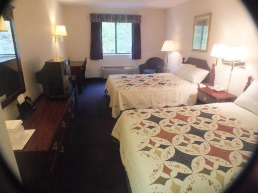 Magnuson Hotel Mineral Wells Inn and Suites hotel accepts paypal in Mineral Wells (WV)