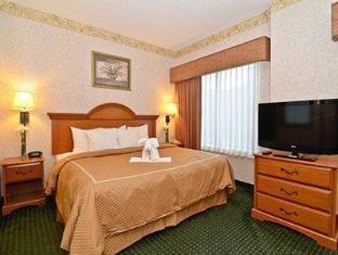 Comfort Suites Wilmington near Downtown