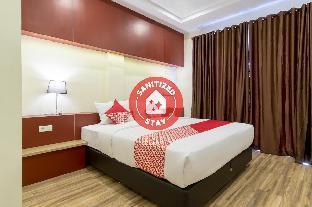 OYO 727 Merlion Hotel