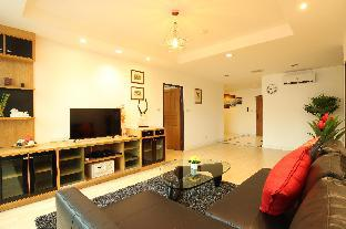 2BR. Spacious 140 Sqm BTS 5 min Central Located