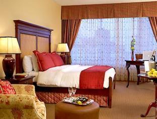 trivago Renaissance Worthington Hotel