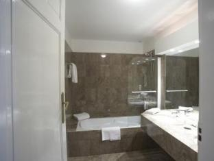 Grand Hotel Bellevue - Grand Place Lille - Bathroom