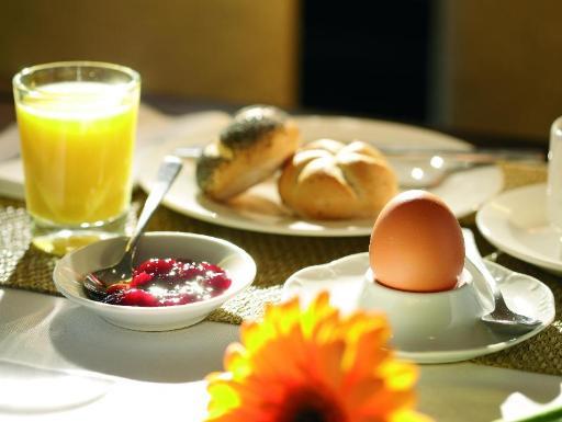 Best guest rating in Sindelfingen ➦ EHM Hotel Sindelfingen City takes PayPal