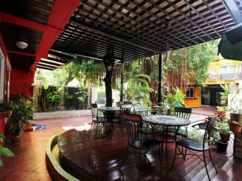 【Sukhumvit Hotel】オアシス イン バンコク ホテル(Oasis Inn Bangkok Hotel)