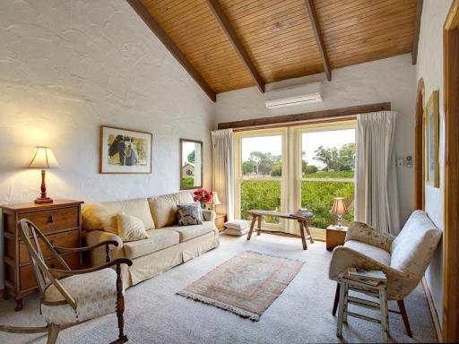 book Coonawarra hotels in South Australia without creditcard