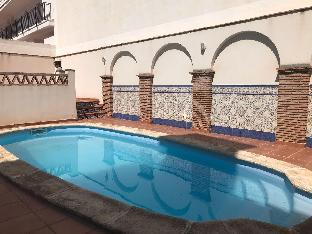 CENTER APARTMENT WITH PARKING AND SWIMING POOL
