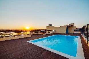 New Luxury 3 Bed Apartment - Sea View