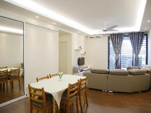COZY AND SPACIOUS 2 BEDROOM APARTMENT
