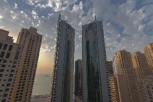 2 Bed (King) & 2 Balconies: Marina & Ocean Views - image 3