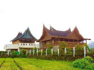 Rumah Gadang Lenggo Geni