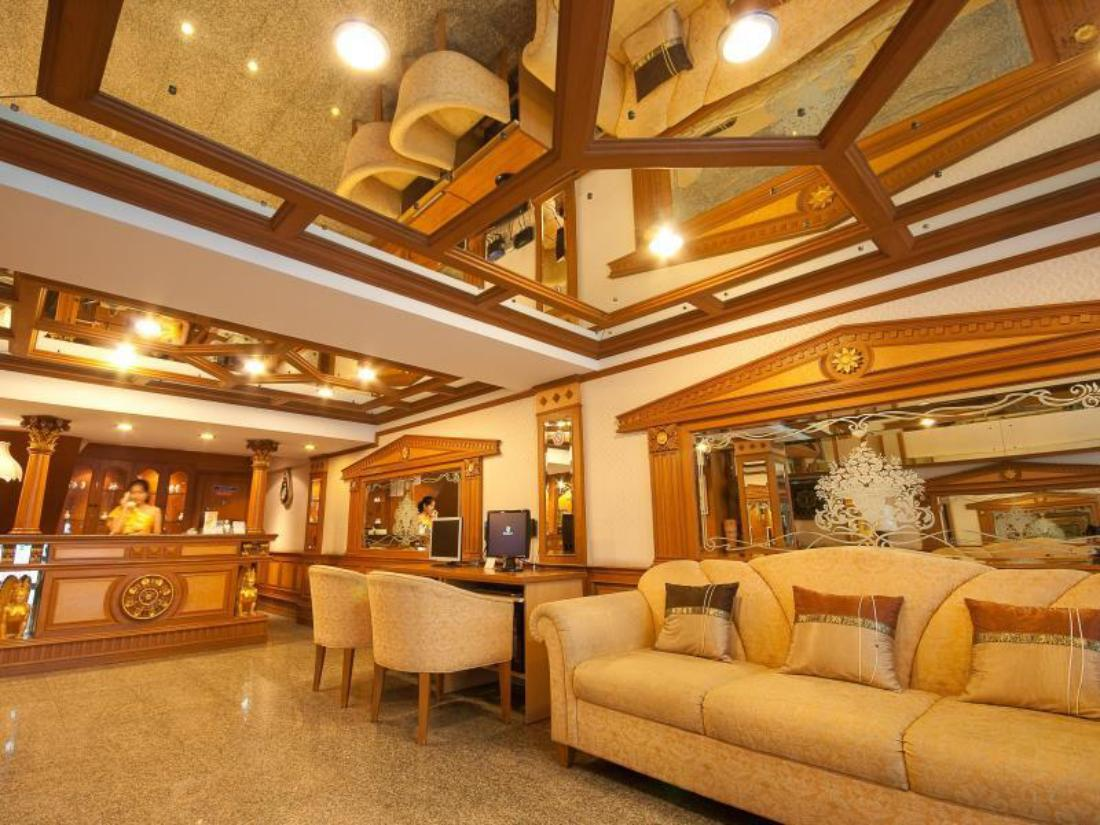 Best Price on Golden House in Bangkok + Reviews!