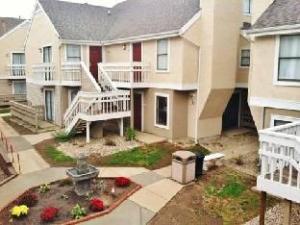 The Gatehouse Suites Grand Rapids