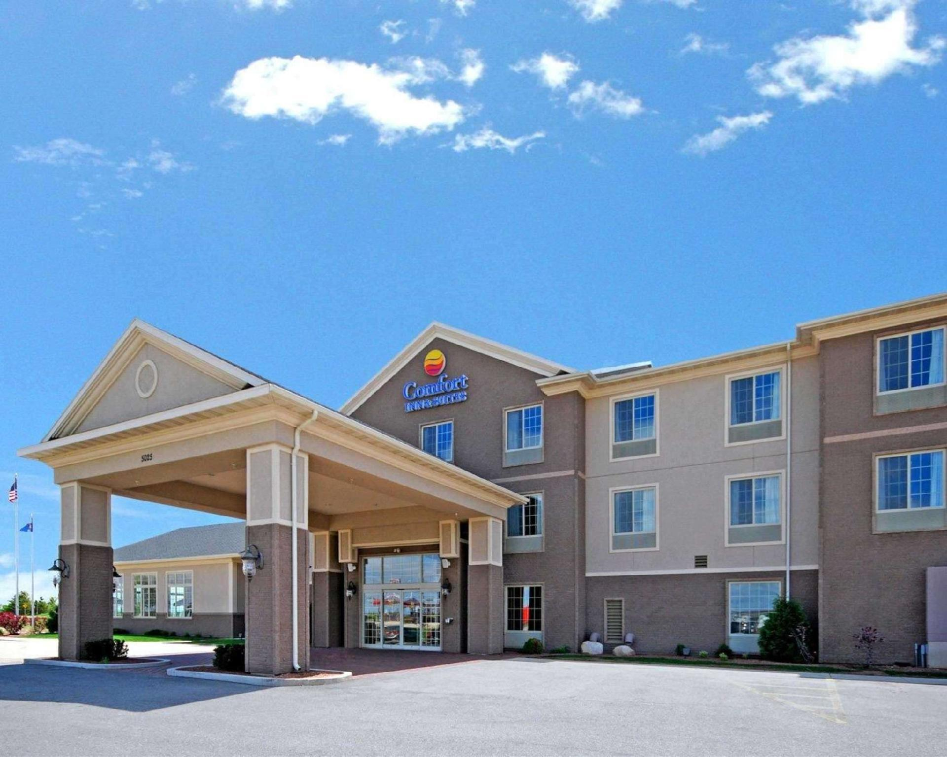 Comfort Inn And Suites Madison North De Forest
