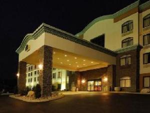 La Quinta Inn & Suites Sevierville Hotel