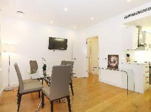 Emily Apartment - Oxford Street