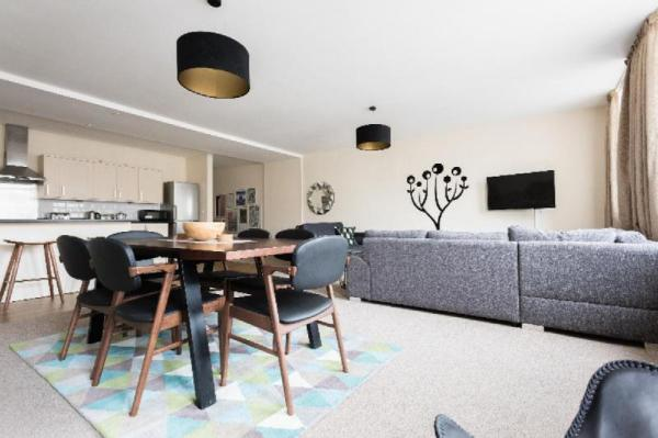 The Broadmead Jungle - Lovely & Central 3BDR Apartment Bristol