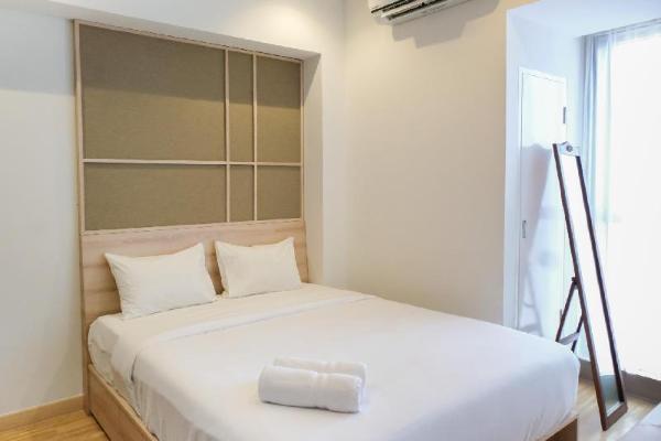 Elegant Best View 1BR Branz Apartment By Travelio Tangerang
