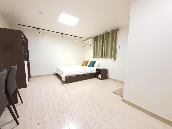 DKHouseEwha#702 new&clean FreeWifi sinchon&hongdae Seoul