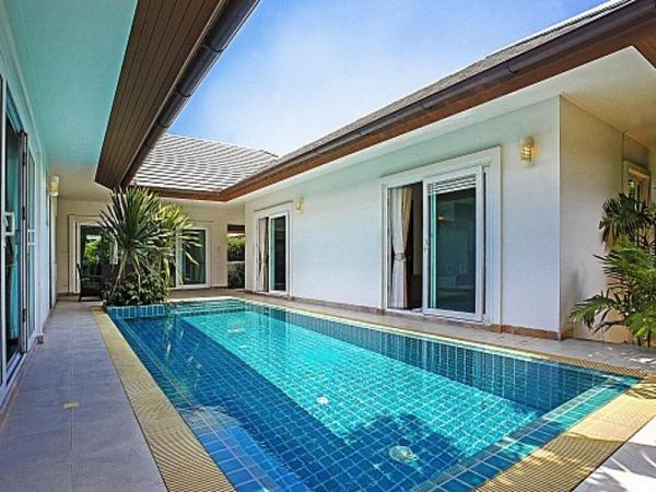Rossawan Pool Villa Pattaya