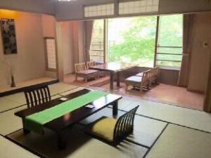 โรงแรม มิยามะ (Hotel Miyama)