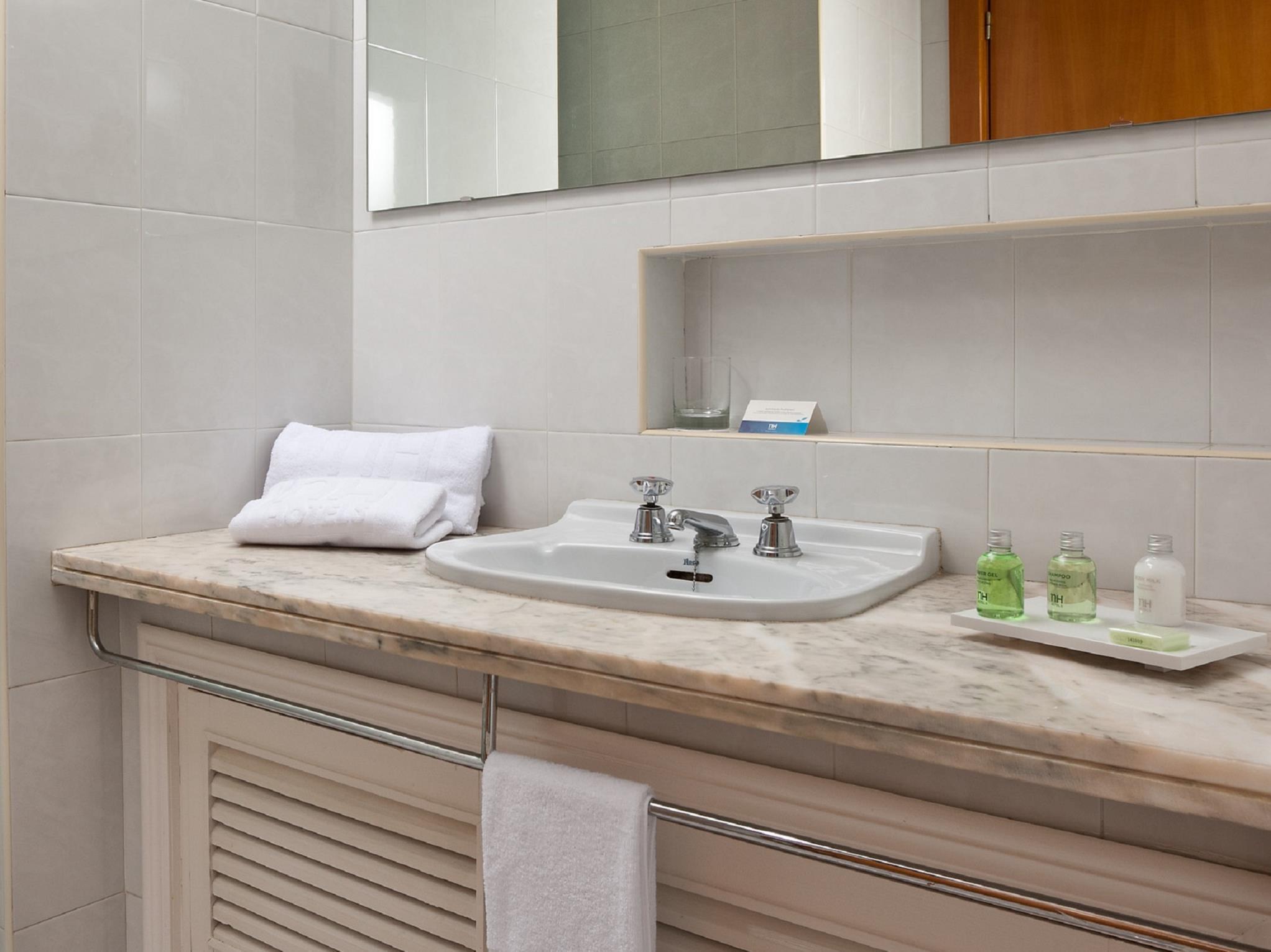 Nh Luz Huelva Hotel