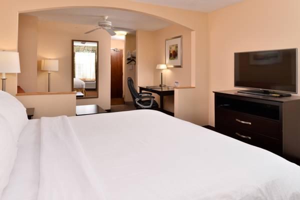 Holiday Inn Express Hotel & Suites Cincinnati Blue Ash