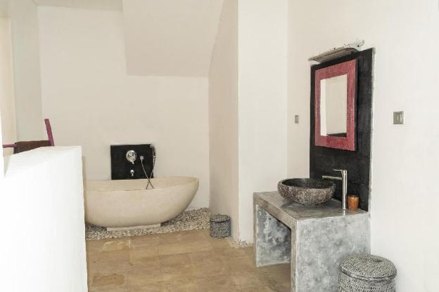 4 BR Orchid Paradise Bukit Villa | Rooftop Home
