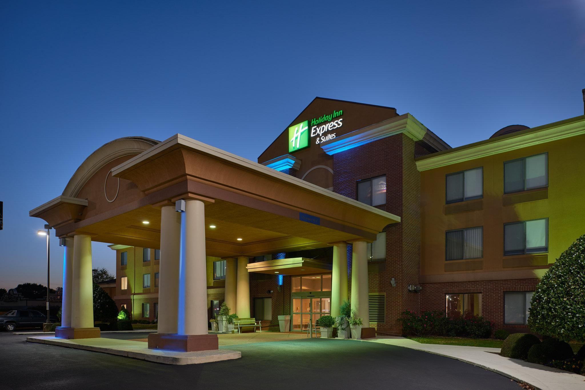 Holiday Inn Express Hotel And Suites Anniston Oxford