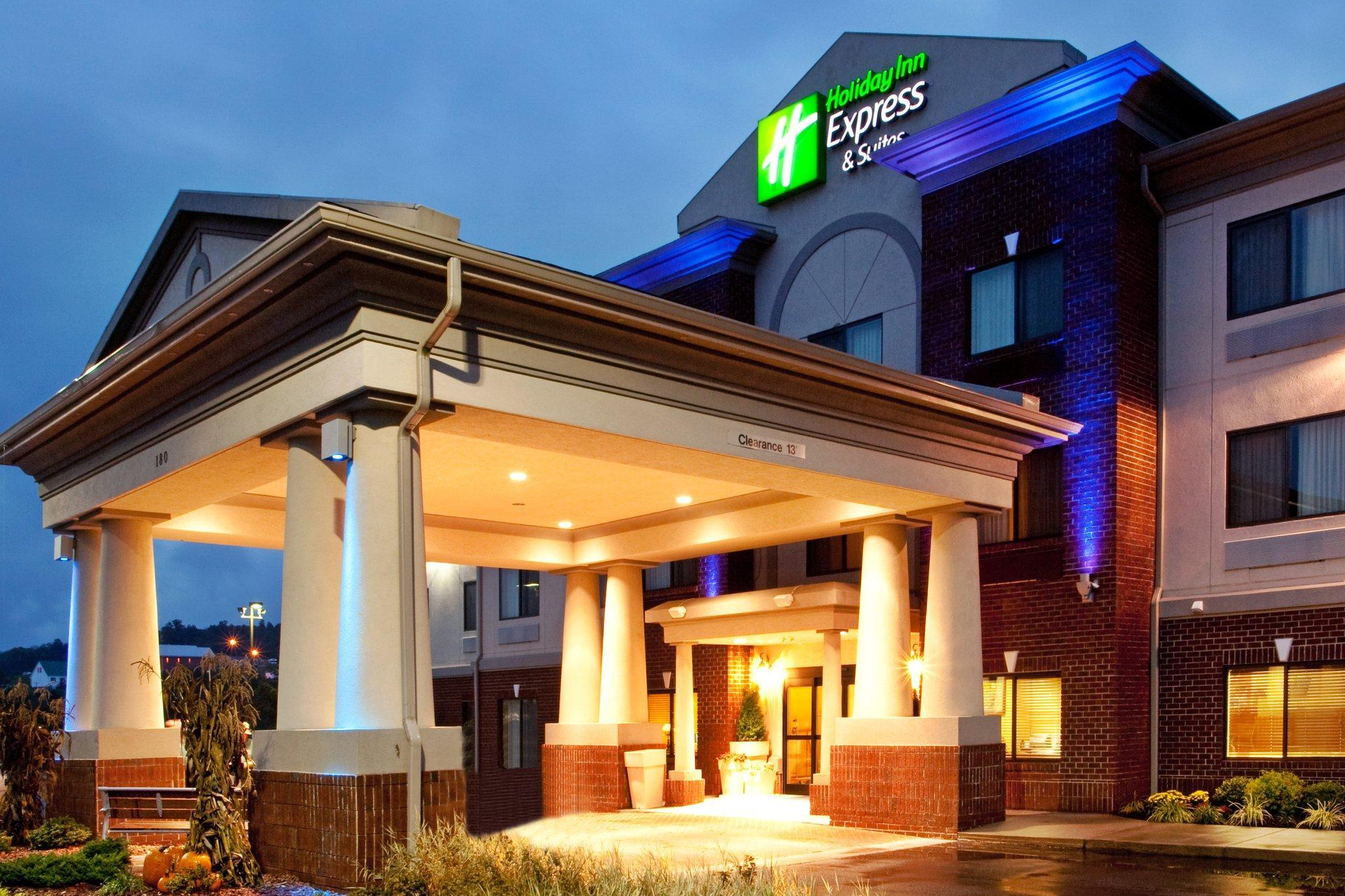 Holiday Inn Express Hotel And Suites Claypool Hill  Richlands Area