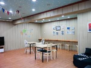 Mori Guesthouse Hongdae