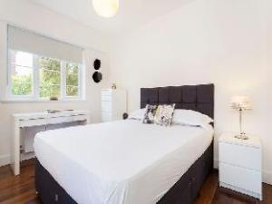 ヴィーヴ 2ベッド フラット オン ウェスト エンド レーン ウェスト ハムステッド (Veeve  2 Bed Flat On West End Lane West Hampstead)