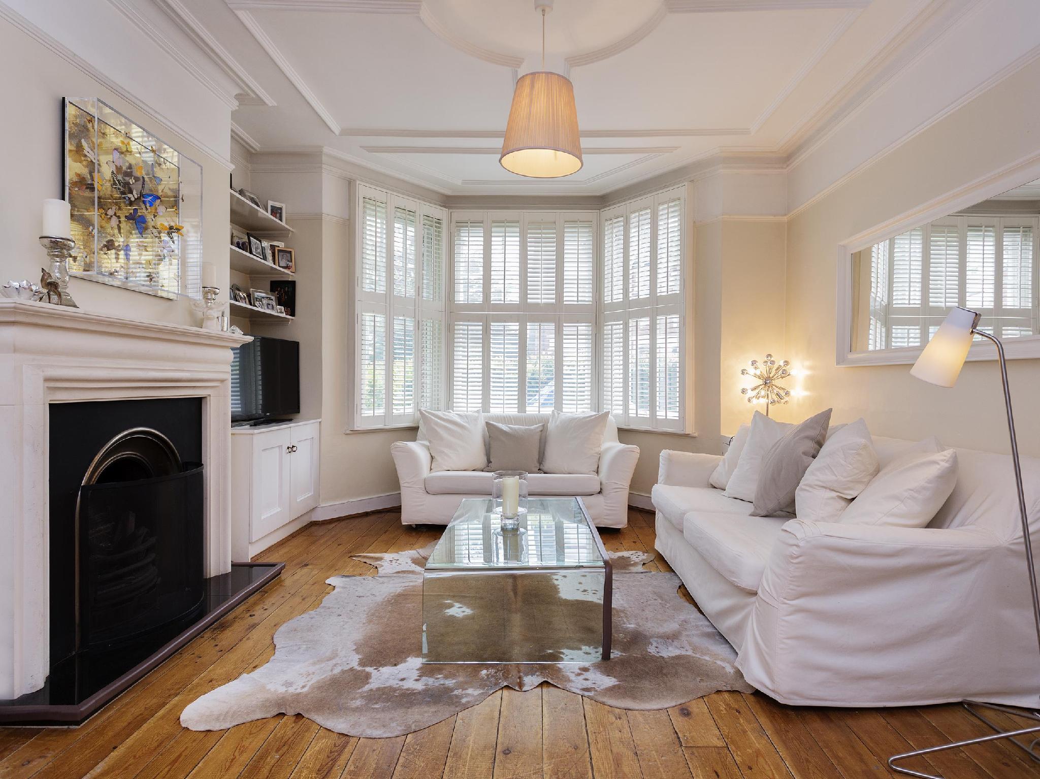 Veeve  5 Bed Home On Ruskin Avenue Kew