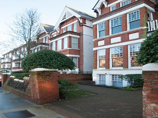 Veeve One Bedroom Apartment Cleve Road West Hampstead London